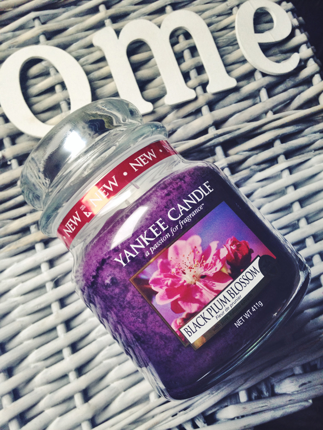 yankee-candle-black-plum-blossom (1)