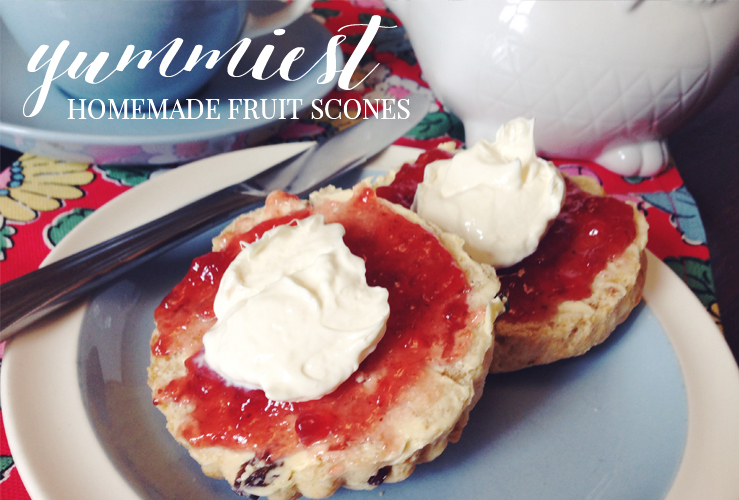 RECIPE | THE YUMMIEST HOMEMADE FRUIT SCONES