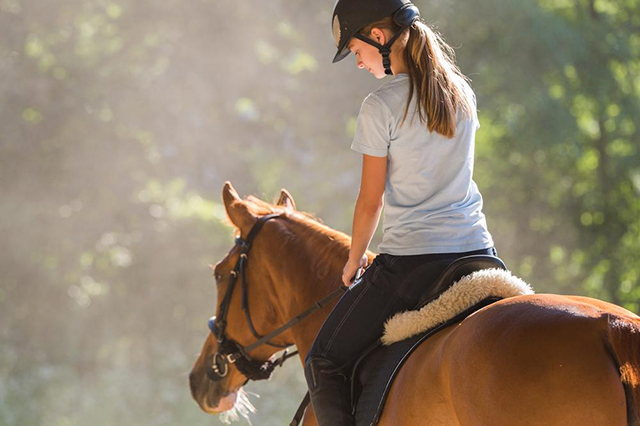 6 HEALTH BENEFITS OF HORSE RIDING